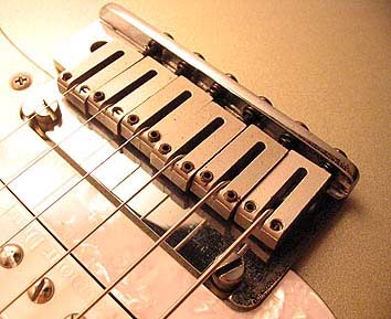 Setuo su Chitarre con ponte Fender American Standard