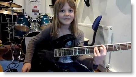 Zoe Thomson, la bambina di 8 anni che ha stupito il mondo con la sua chitarra