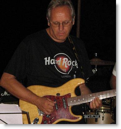 Guida per imparare a suonare la chitarra by Lorenzo Masenello