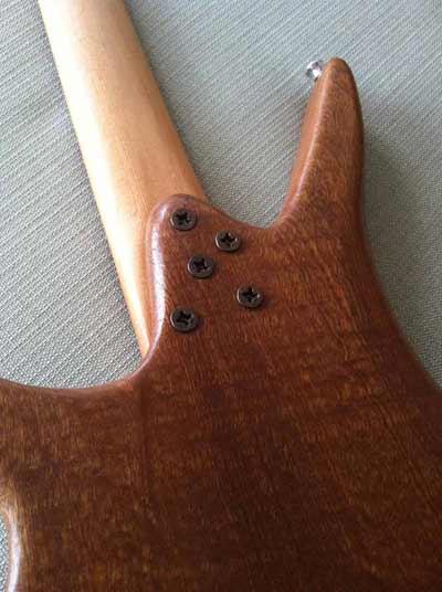 Assemblaggio della chitarra (Manico e Corpo)